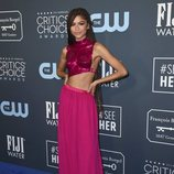 Zendaya en la alfombra de los Critics' Choice Awards 2020