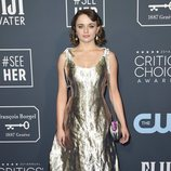 Joey King en la alfombra de los Critics' Choice Awards 2020
