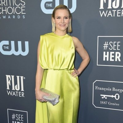 Kristen Bell en la alfombra de los Critics' Choice Awards 2020