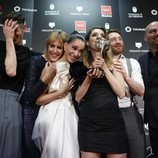 El equipo de 'Vida perfecta' en la alfombra roja de los Premios Feroz 2020