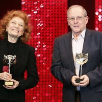 Julia y Emilio Gutiérrez Caba con el Premio Feroz de Honor 2020