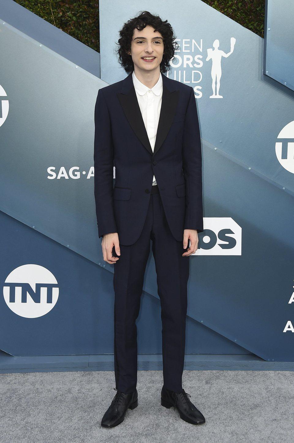 Finn Wolfhard en la alfombra roja de los SAG Awards 2020
