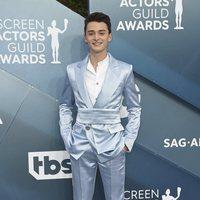 Noah Schnapp en la alfombra roja de los SAG Awards 2020