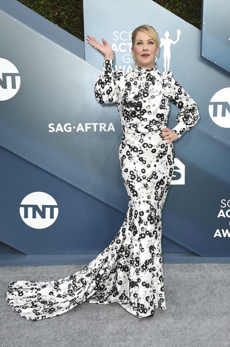 Christina Applegate en la alfombra roja de los SAG Awards 2020