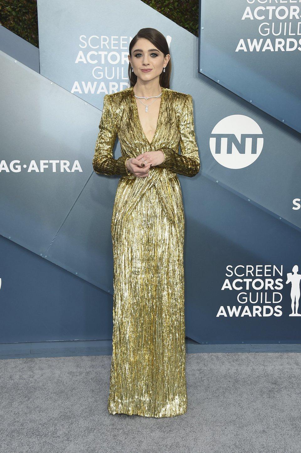 Natalia Dyer en la alfombra roja de los SAG Awards 2020
