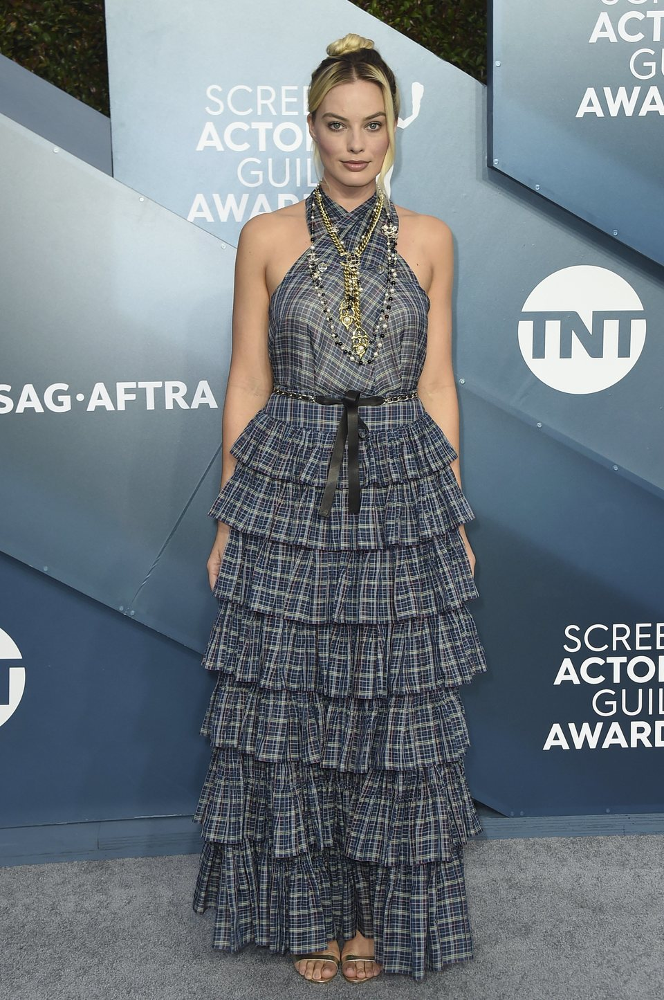 Margot Robbie en la alfombra roja de los SAG Awards 2020