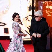 Pedro Almodóvar y Penélope Cruz en la alfombra roja de los Premios Goya 2020