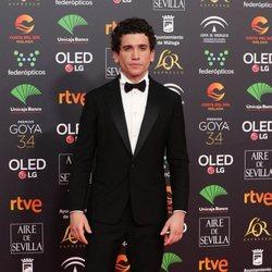 Jaime Lorente en la alfombra roja de los Premios Goya 2020