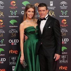 Antonio Banderas y Nicole Kimpel en la alfombra roja de los Premios Goya 2020