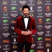 Álvaro Morte en la alfombra roja de los Premios Goya 2020