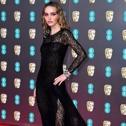 Lily-Rose Depp en la alfombra roja de los BAFTA 2020