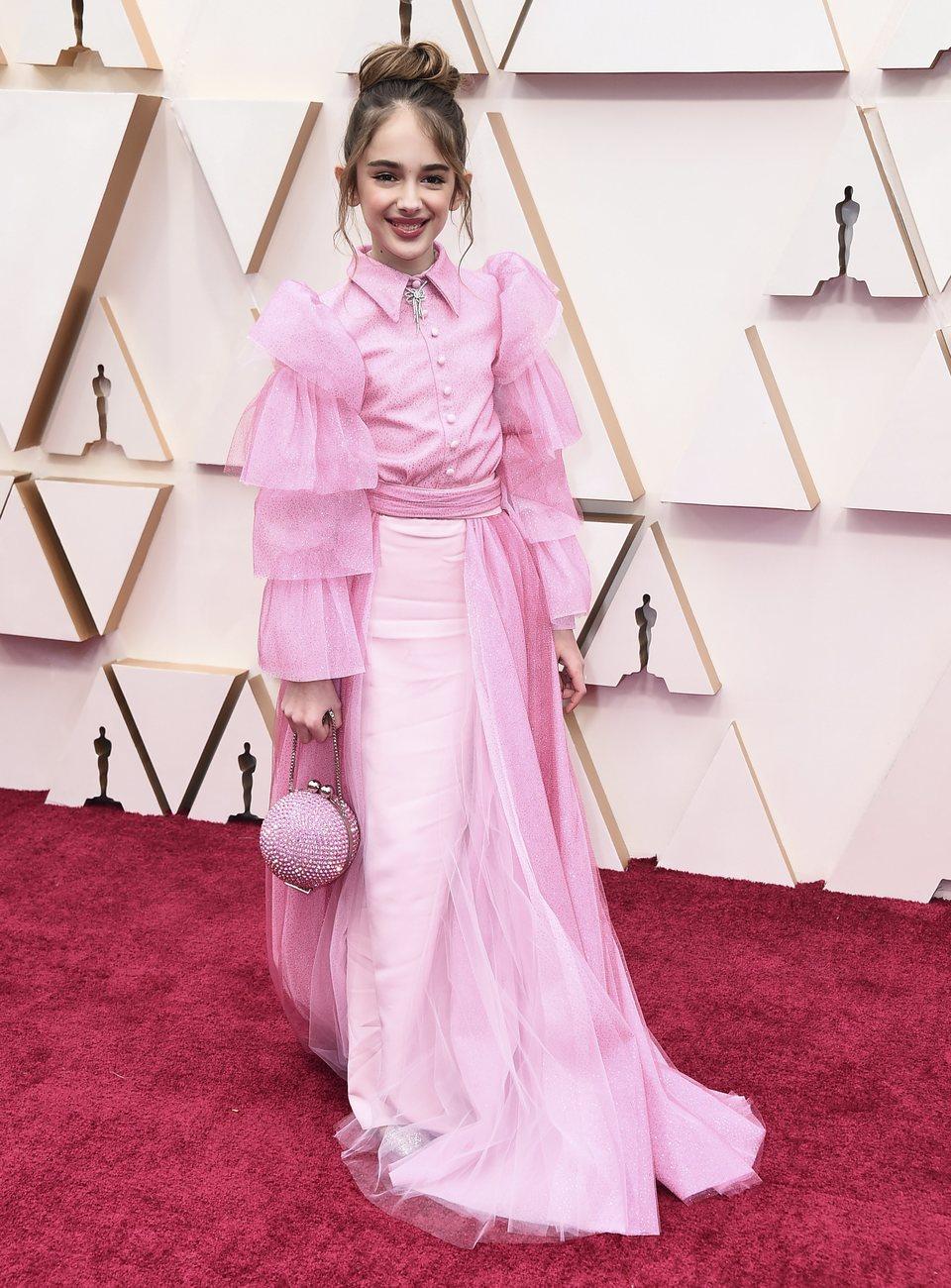 Julia Butters en la alfombra roja de los Oscar 2020
