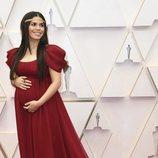America Ferrera en la alfombra roja de los Oscar 2020