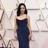 Julia Louis-Dreyfus en la alfombra roja de los Oscar 2020