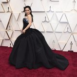 Kelly Marie Tran en la alfombra roja de los Oscar 2020