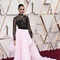 Gal Gadot en la alfombra roja de los Oscar 2020