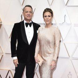 Tom Hanks en la alfombra roja de los Oscar 2020