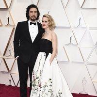 Adam Driver en la alfombra roja de los Oscar 2020