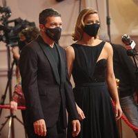 Antonio Banderas y Maria Casado en la alfombra roja de los Goya 2021