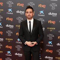 J.A. Bayona en la alfombra roja de los Goya 2021