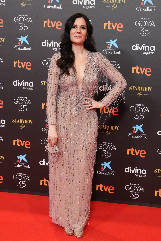 Diana Navarro en la alfombra roja de la 35 edición de los Premios Goya