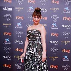 Natalia Verbeke en la alfombra roja de los Goya 2021