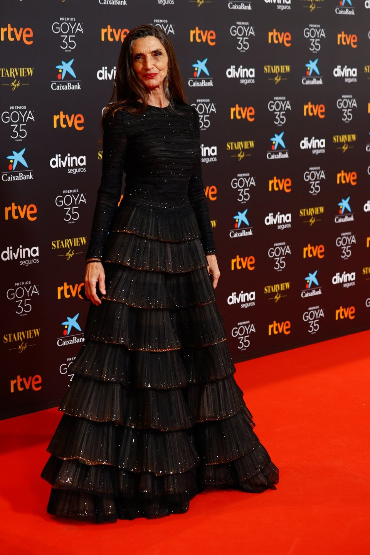 Ángela Molina en la alfombra roja de la 35 edición de los Premios Goya