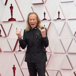 Paul Raci en la alfombra roja de los Oscar 2021