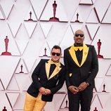 Martin Desmond Roe y Travon Free en la alfombra roja de los Oscar 2021