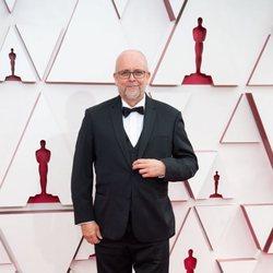 Mark Coulier en la alfombra roja de los Oscar 2021