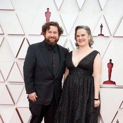 Michael Govier en la alfombra roja de los Oscar 2021