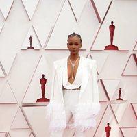 Tiara Thomas en la alfombra roja de los Oscar 2021