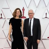 James Newton Howard en la alfombra roja de los Oscar 2021