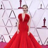 Amanda Seyfried en la alfombra roja de los Oscar 2021
