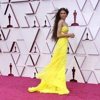 Zendaya en la alfombra roja de los Oscar 2021