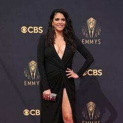 Cecily Strong en la alfombra roja de los Emmy 2021