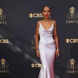 Kerry Washington en la alfombra roja de los Emmy 2021