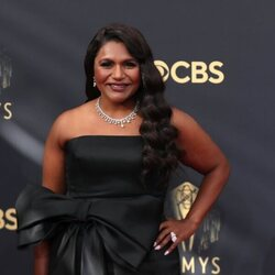 Mindy Kailing en la alfombra roja de los Emmy 2021