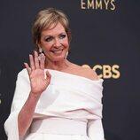 Allison Janney en la alfombra roja de los Emmy 2021