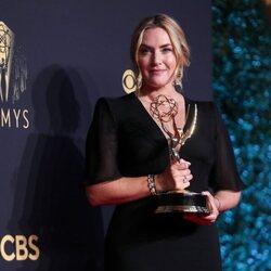 Kate Winslet, ganadora del Emmy 2021 a la mejor actriz de una miniserie