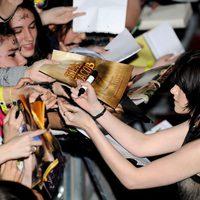 Kristen Stewart firma autógrafos en Madrid