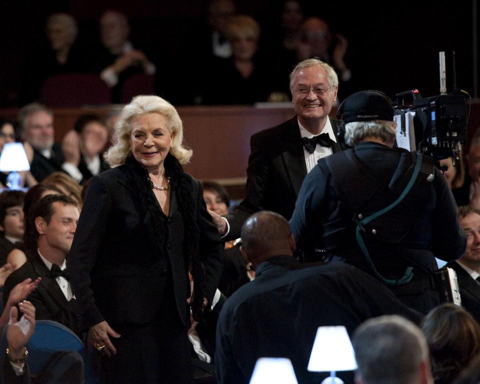 Lauren Bacall y Roger Corman en los Oscar 2010