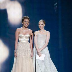 Miley Cyrus y Amanda Seyfried