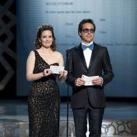 Tina Fey y Robert Downey Jr en la 82ª entrega de los Oscar