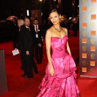 Thandie Newton ante los focos de los BAFTA 2011