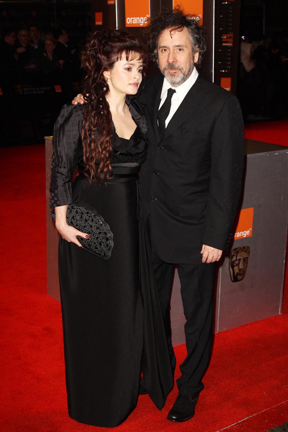 Tim Burton y su mujer en los BAFTA 2011