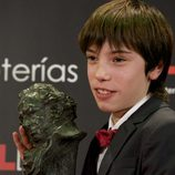 Francesc Colomer posa orgulloso con su primer Goya
