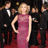Scarlett Johanson posa en la alfombra roja de los Oscar 2011