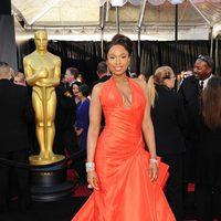 Jennifer Hudson posa en la alfombra roja de los Oscar 2011