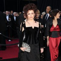 Helena Bonham Carter posa en los Oscar 2011
